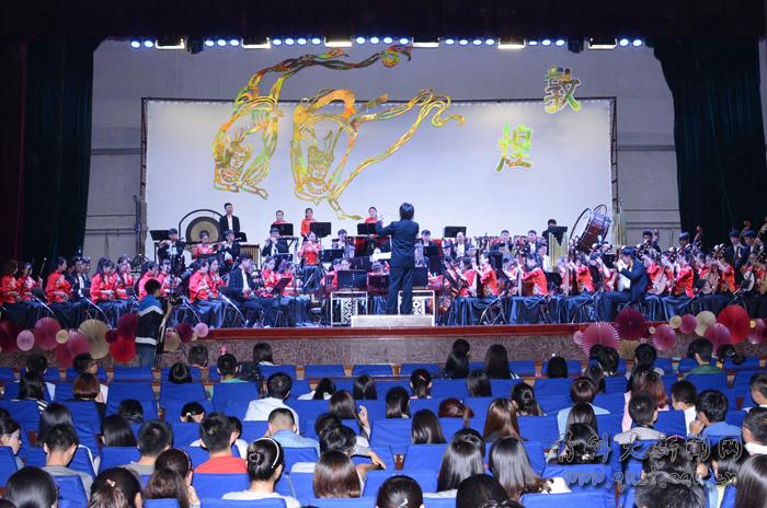 5月14日晚,青岛科技大学四方校区西礼堂音歌萦绕,掌声雷动,临沂